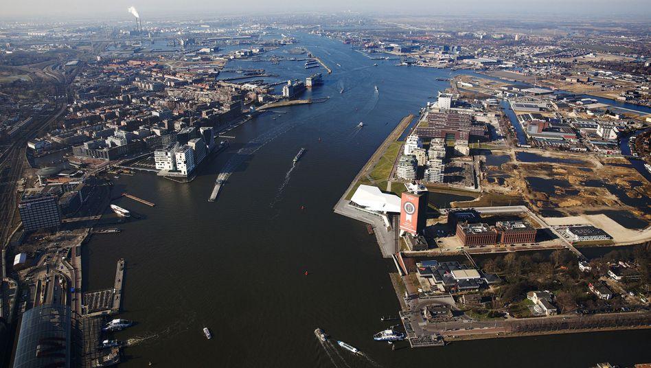 Blick auf Amsterdam: Auch in Holland wird Wölbern Invest einige Immobilien verkaufen