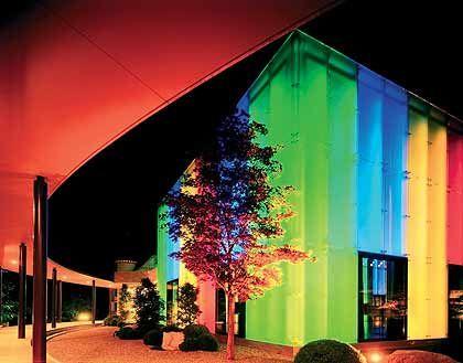 Farbenspiel: Neue, flächige Lichtquellen werden Design und Architektur verändern