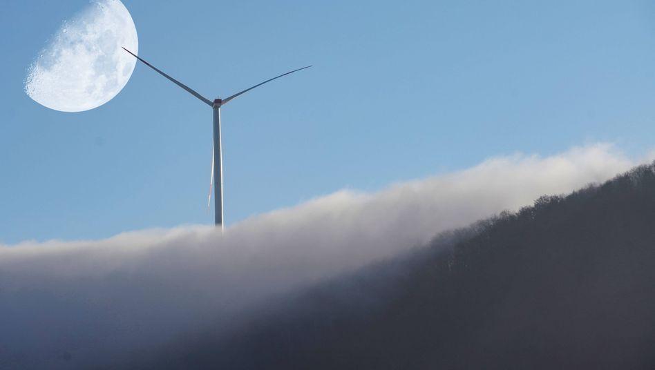 Leistungsträger: Windräder an Land wie hier auf dem Tegelberg in Baden-Württemberg liefern den meisten Ökostrom in Deutschland