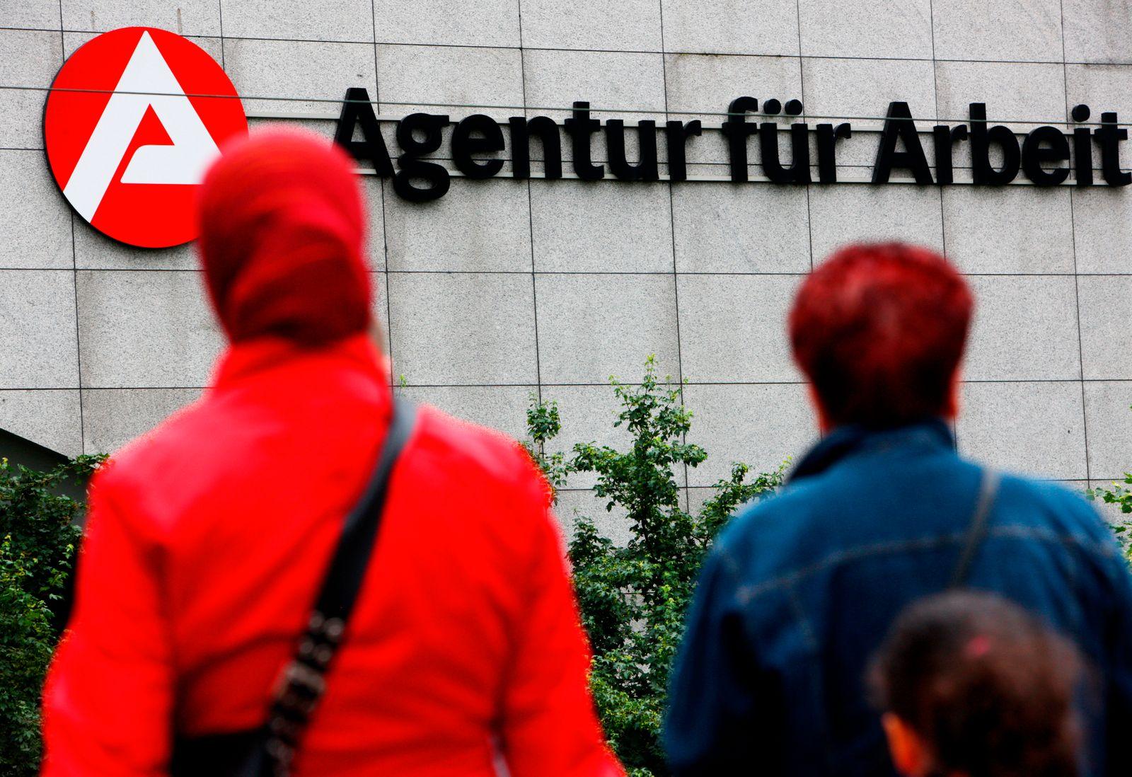 Agentur für Arbeit / Arbeitsagentur / Ausländer