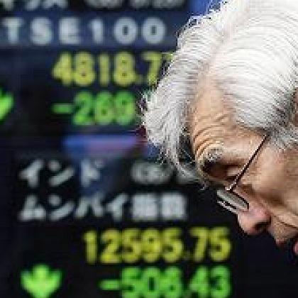 Banger Blick auf die Börse: Die Aktien exportabhängiger Unternehmen geraten unter Druck