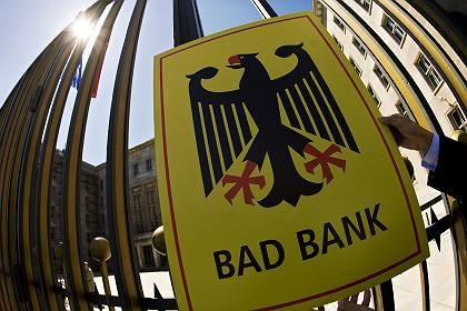Proteste: Einige Bürger wollen keine Bad Bank - und die Banken anscheinend auch nicht