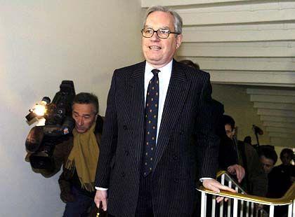Tross: Chris Gent auf dem Weg zum Gerichtsaal L111