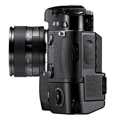 Die Weltneuheit im Kleinbildformat: Die R9 fotografiert analog und digital