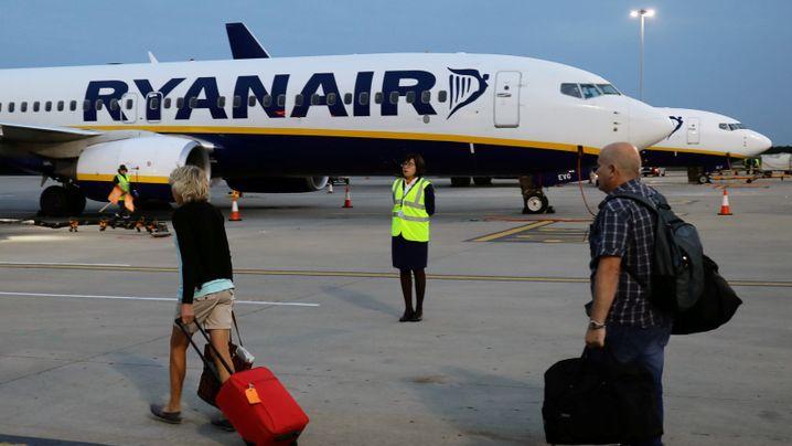 Buchen, Boarding, Passkontrolle: Günstig nur noch auf dem Klo - so fliegen wir im Jahr 2020