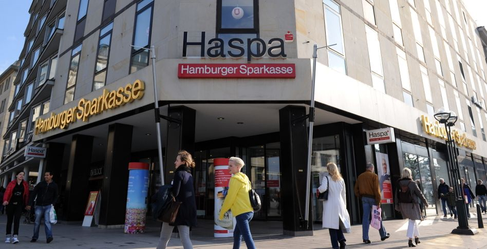 Haspa: Hohe Kosten belasten
