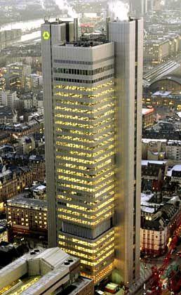 """""""Ziel für 2005 dürfte übertroffen werden"""": Dresdner Bank in Frankfurt"""