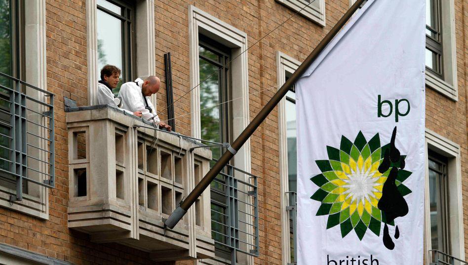 """Besudelt: Mit der Kampagne """"Beyond Petroleum"""" wollte BP sich ein grünes Image verschaffen. Das ging gründlich daneben. Nicht nur Lohas, die einen """"Lifestyle of Health and Sustainability"""" propagieren, erhöhen den Druck."""