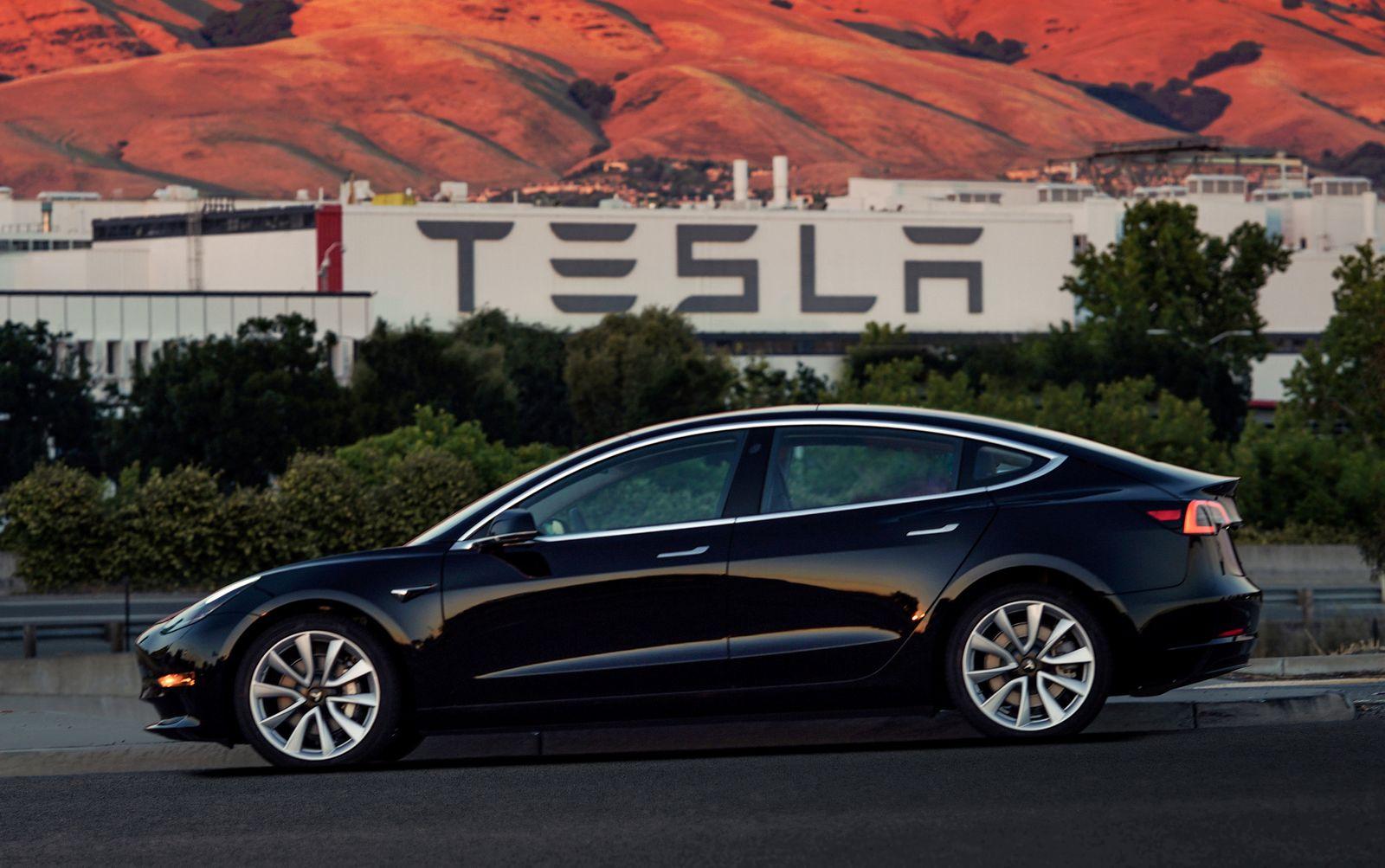 Tesla Model 3 erste Produktionsmodelle