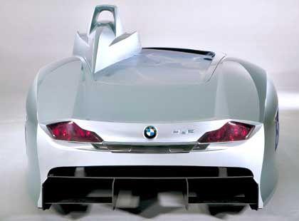 Rekordauto: Zwölfzylindermotor mit sechs Liter Hubraum, der mehr als 285 PS (210 kW) leistet