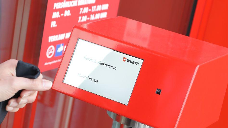 Schrauben-Shoppen rund um die Uhr: 24-Stunden-Selfservice-Laden von Würth