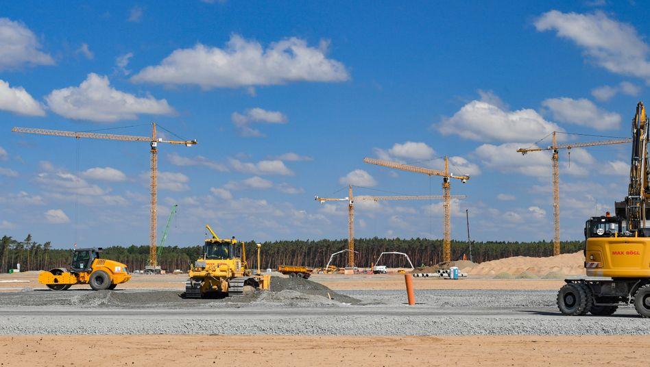 Baustelle der Tesla-Fabrik in Grünheide am 24. Juni 2020