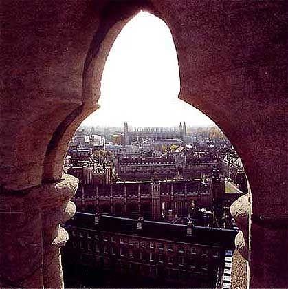 Über den Dächern von Cambridge: Blick auf die klösterlichen Colleges