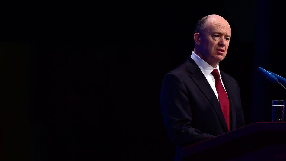 Immerhin ein Vorsteuergewinn: Doch die bedrohlichen Zeichen bei den Erlösen insbesondere im Schlussquartal müssen Deutsche-Bank-Chef John Cryan zu denken geben
