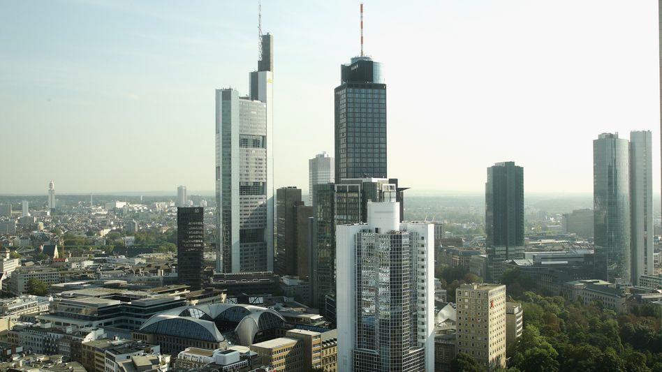 Frankfurt am Main: Manager kritisieren Gehaltssprünge in den Vorstandsetagen