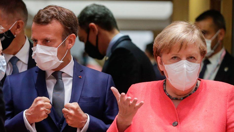 Frankreichs Präsident Macron und Bundeskanzlerin Merkel beim Gipfel in Brüssel