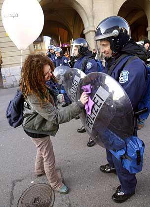 Globalisierungsgegner: Freundliche Proteste