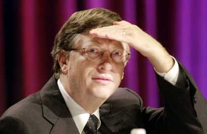 """Den neuen Markt im Visier: Microsoft-Chairman Bill Gates verfährt nach der Devise """"Viel Feind, viel Ehr"""""""