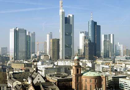 Bankenviertel Frankfurt: Die Kreditinstitute werden künftig bei Übernahmen mehr Eigenkapital fordern
