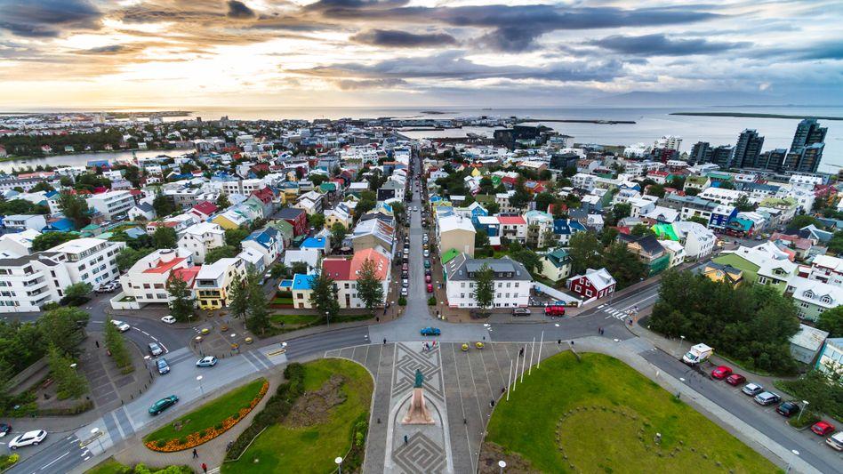 Weniger, aber dafür effizienter arbeiten: Viele Einwohner Islands (im Bild Islands Hauptstadt Reykjavík) arbeiten mehr als 40 Stunden pro Woche
