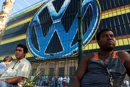 Sie arbeiten wieder: VW-Beschäftigte im Werk Bernardo do Campo
