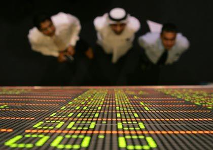 Kommt nicht zur Ruhe: Die Börse in Dubai bricht trotz des in der Nacht angekündigten Sanierungsplans für den Staatsfonds Dubai World am Dienstag zunächst weiter ein