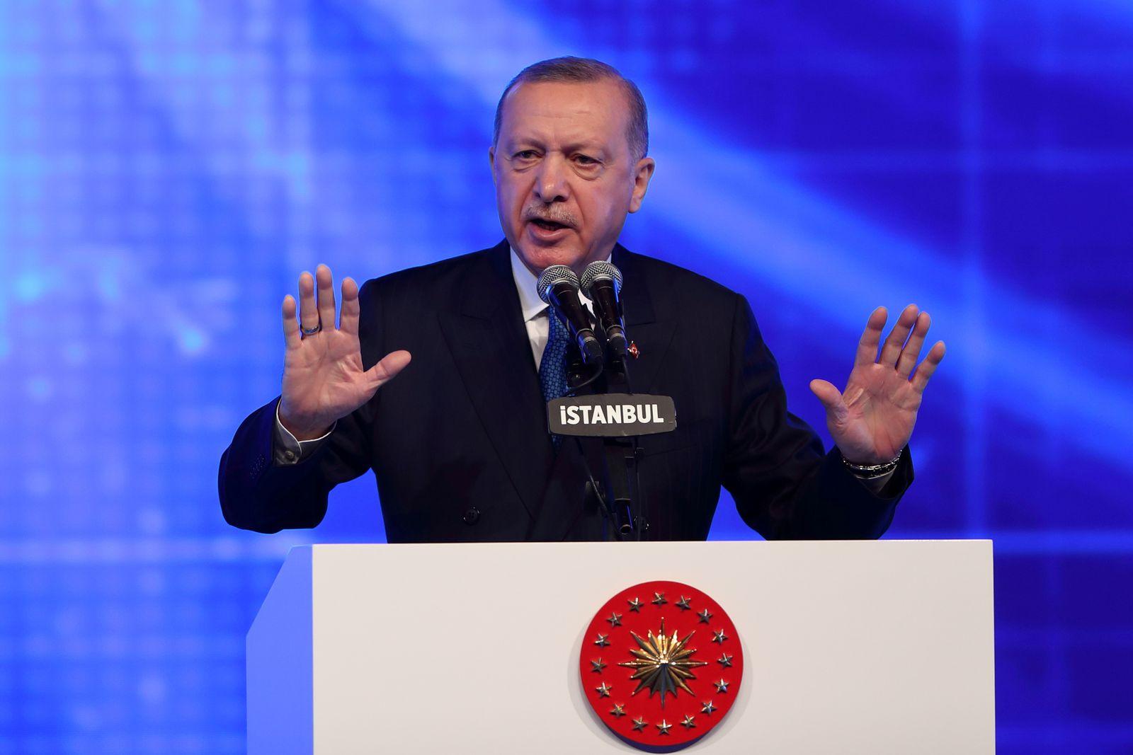 FILE PHOTO: Turkish President Erdogan announces economic reforms in Istanbul