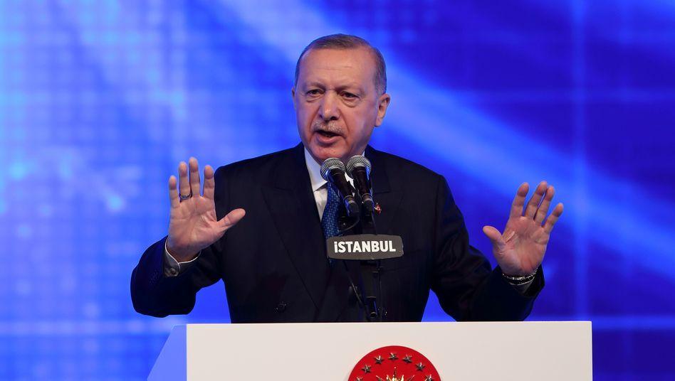 Nächste Kehrtwende: Türkischer Präsident Recep Tayyip Erdoğan stoppt den harten Kurs gegen Inflation nach vier Monaten