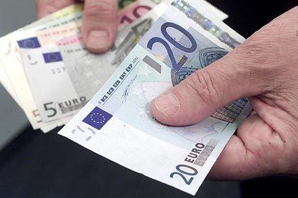 Euro: 1999 als Buchgeld eingeführt. Inzwischen nutzen 16 Länder den Euro als Währung