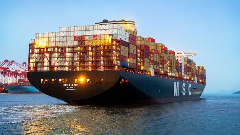 MSC Gülsün: Mit einer Länge von 400 Metern und einer Breite von 61,5 Metern kann das größte Containerschiff der Welt insgesamt 23.756 Container laden