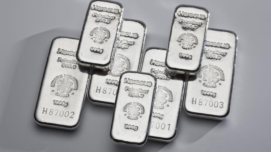 Begehrte Anlage: Silberbarren verteuern sich derzeit zusehends