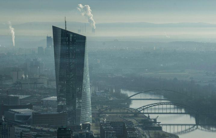 Europäische Zentralbank: Chef Mario Draghi hat Handlungsdruck.