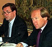 Der Sündenfall: Im September 1999 verkündeten Thomas Haffa und Herbert Kloiber (r.) eine Zusammenarbeit