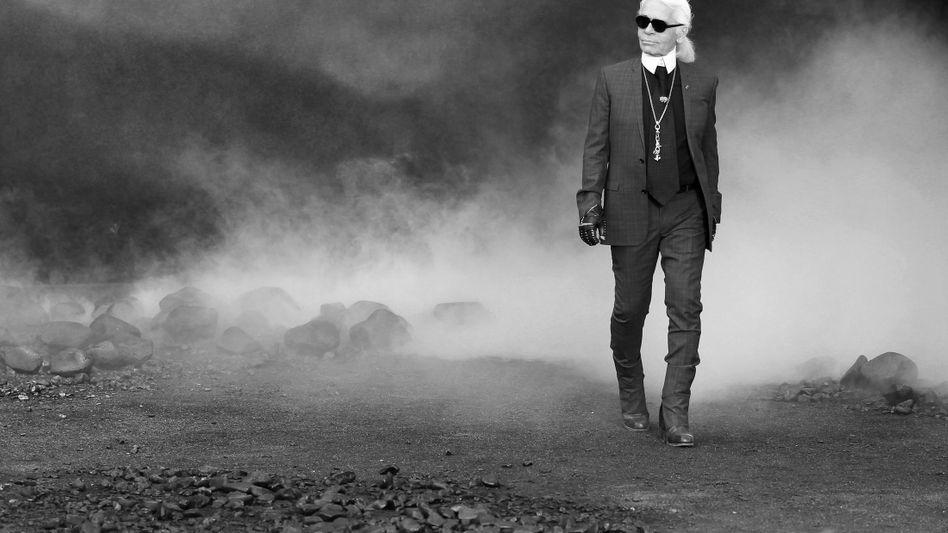 """Karl Lagerfeld: """"Der Höhepunkt des Luxus ist es, nicht nach dem Preis zu gucken."""""""
