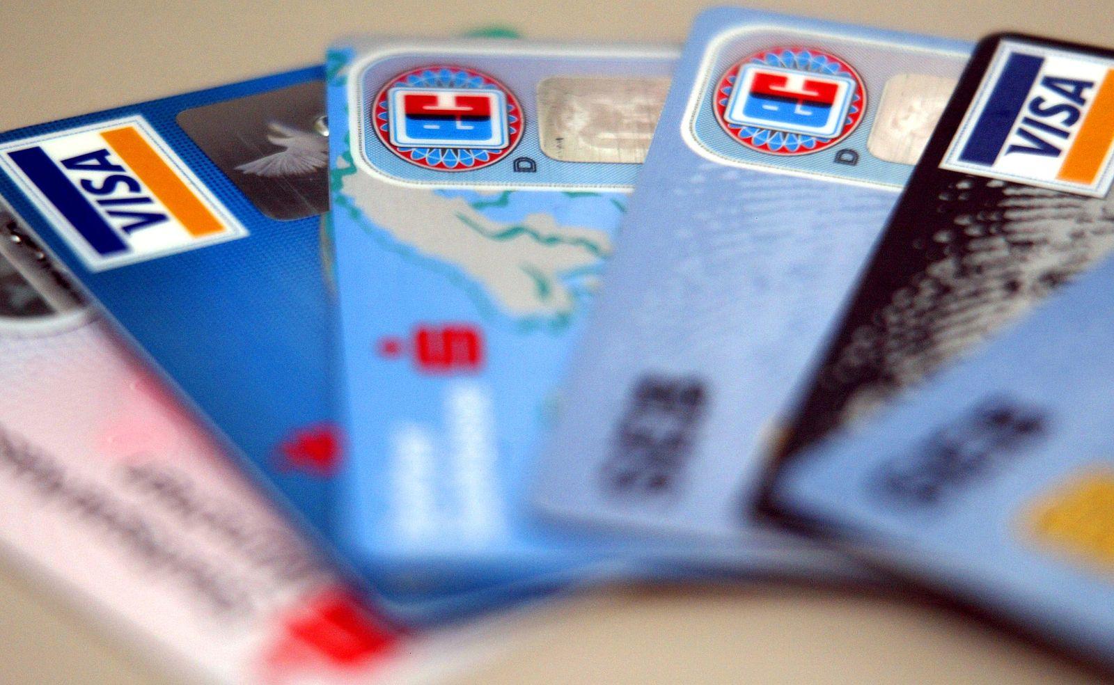 NICHT VERWENDEN SYMBOLBILD Kreditkarten / EC-Karten