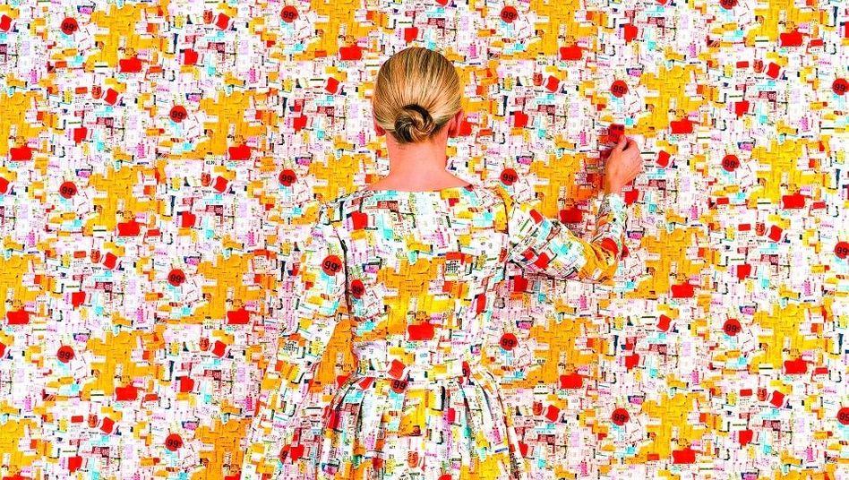 Die Arbeit Lost in My Life (price tags) der Künstlerin Rachel Perry Welty
