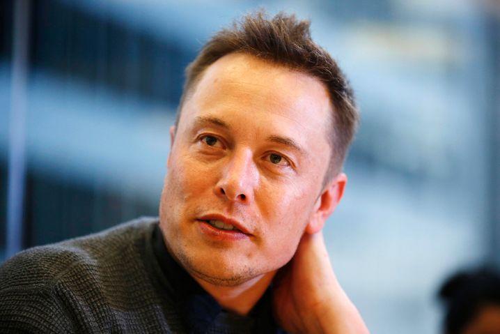 """Tesla-Chef Elon Musk kündigt per Tweet eine Lösung für die """"Reichweitenangst"""" an - und lenkt so von den wahren Wachstumsproblemen seines Unternehmens ab"""