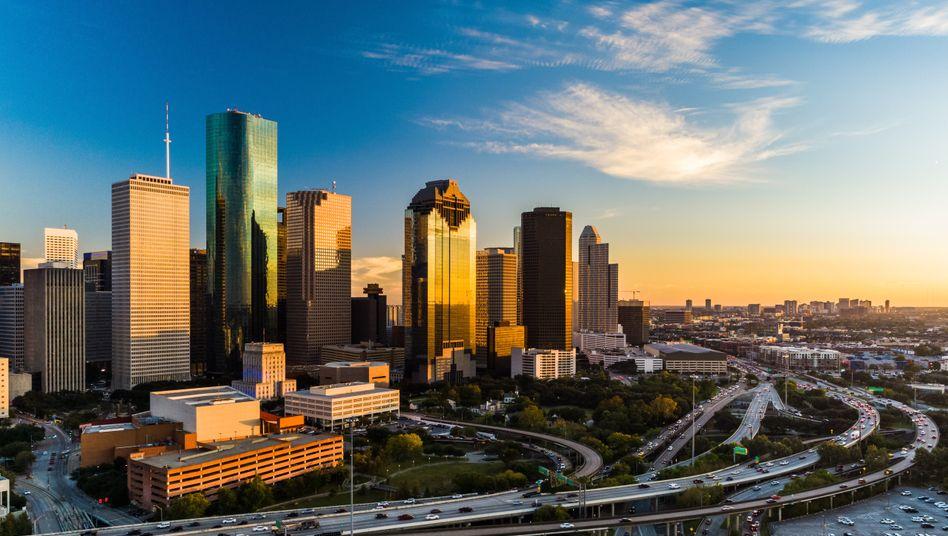 Büffel, Boots und Bytes: Viele Einwohner des US-Bundesstaats sind stolz auf ihre Identität und Geschichte. Metropolen wie Houston gehören zu den modernsten der USA.