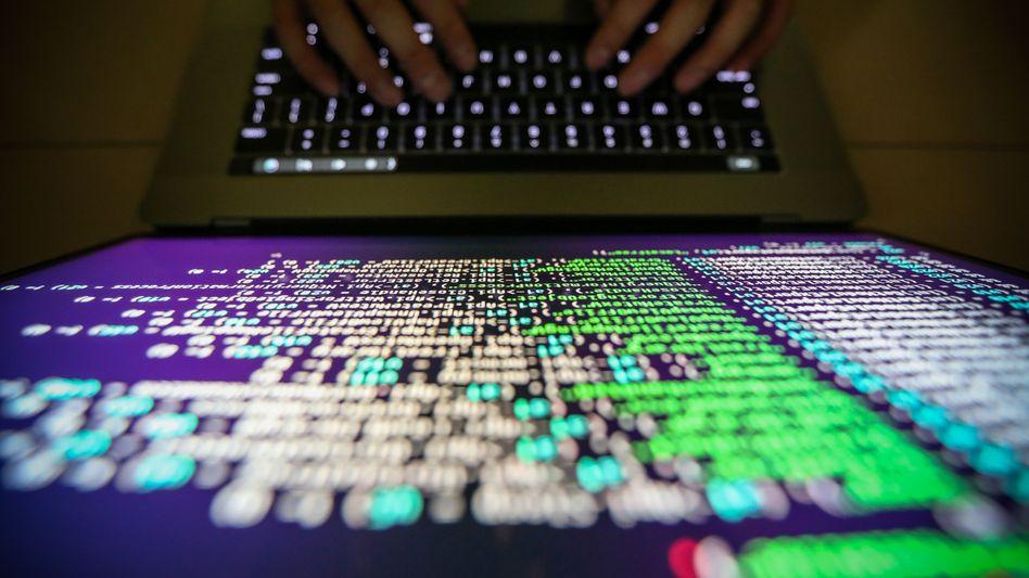 Unternehmen im Visier: Cyberkriminelle legen Computer lahm und fordern anschließend Lösegeld. Die Zahl der Attacken ist stark gestiegen
