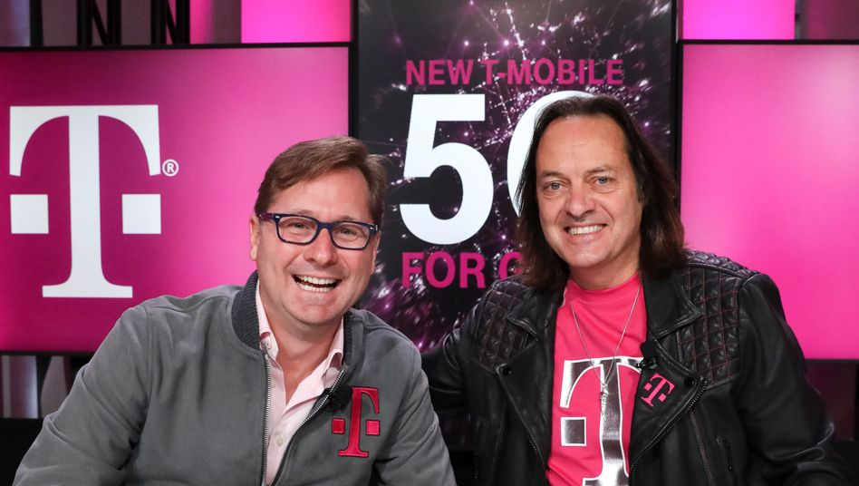 T-Mobile Chef John Legere (rechts), Nachfolger Mike Sievert: Sievert ersetzt Großverdiener Legere im Mai