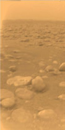 BU:First colour view of Titan's surface