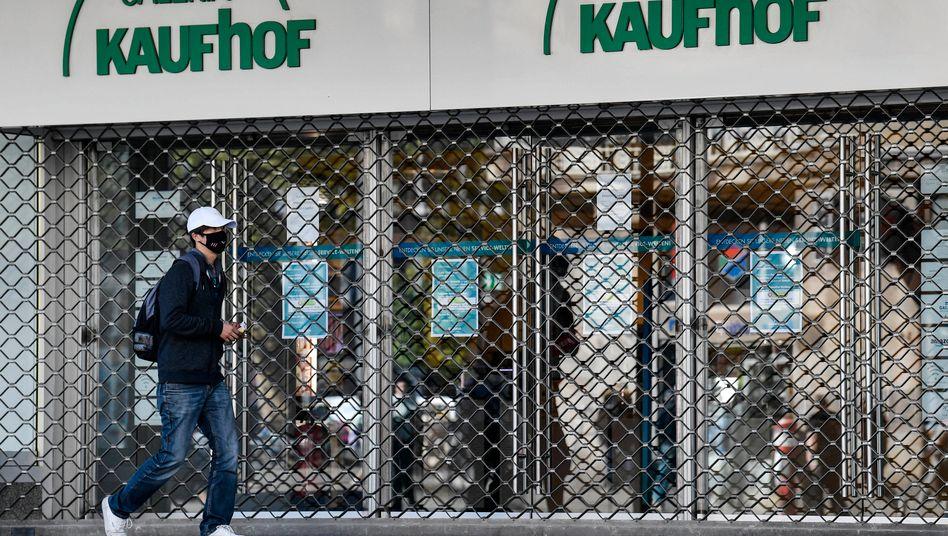 Galeria Karstadt Kaufhof: Das Schutzschirmverfahren ist für Eigner René Benko eine Chance, das Unternehmen härter zu sanieren.