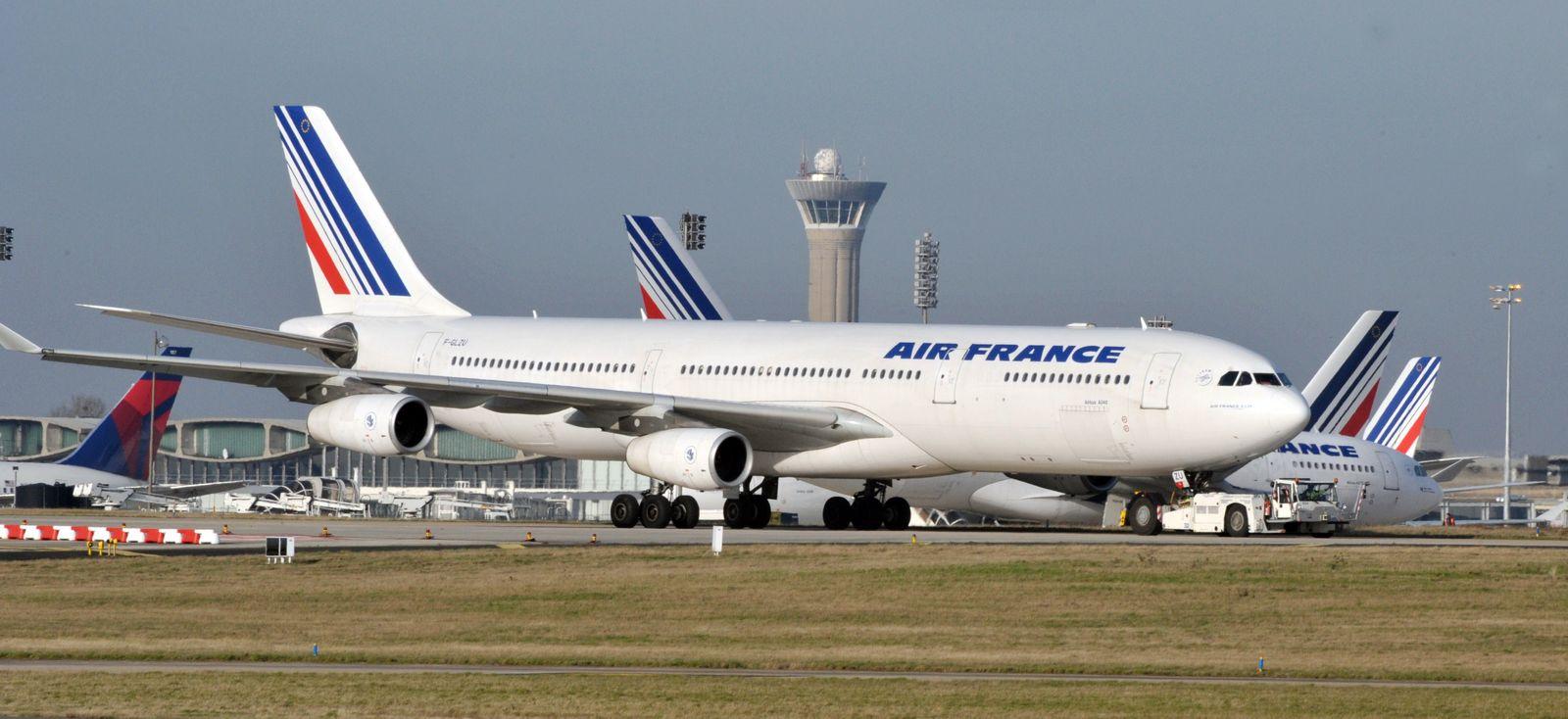 China / Airbus A340 / Air France