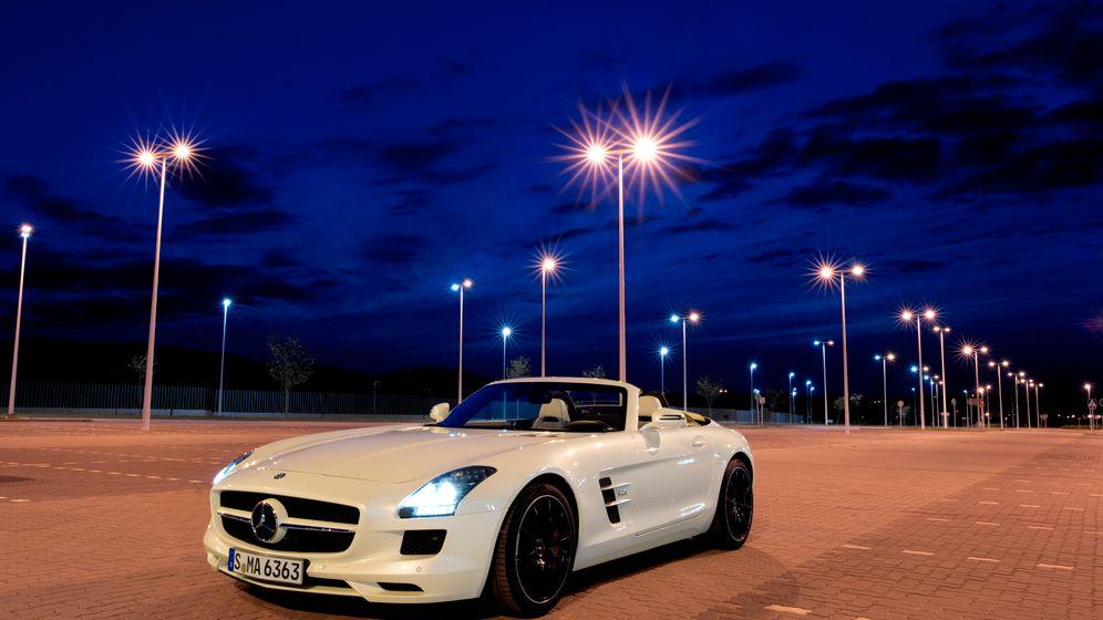 Mercedes SLS Roadster: Cooler Auftritt, kecke Kappe