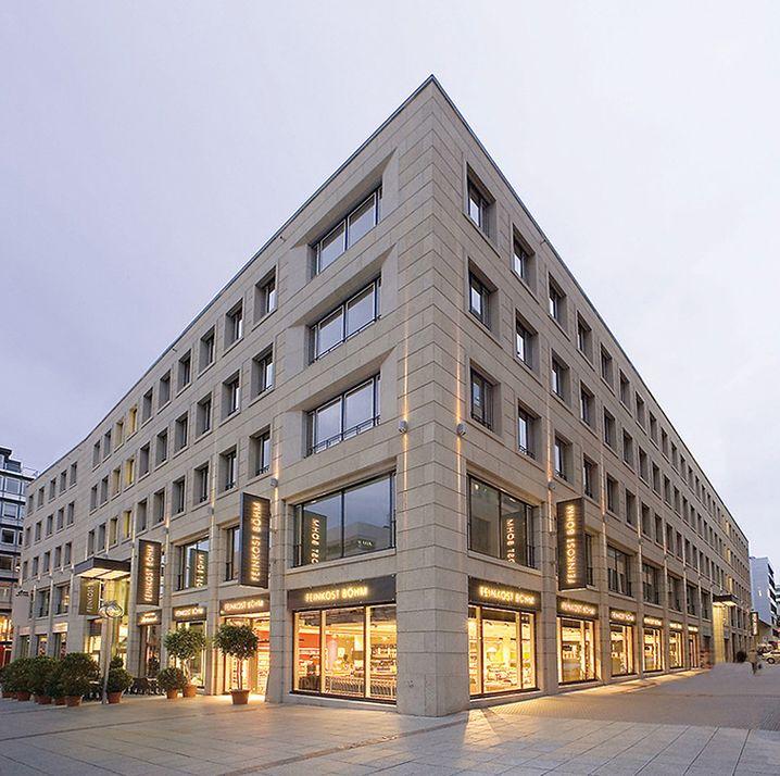 """Feinkost Böhm in Stuttgart - Teil des Immobilienbesitzes von Ferdinand """"Nando"""" Piëch"""