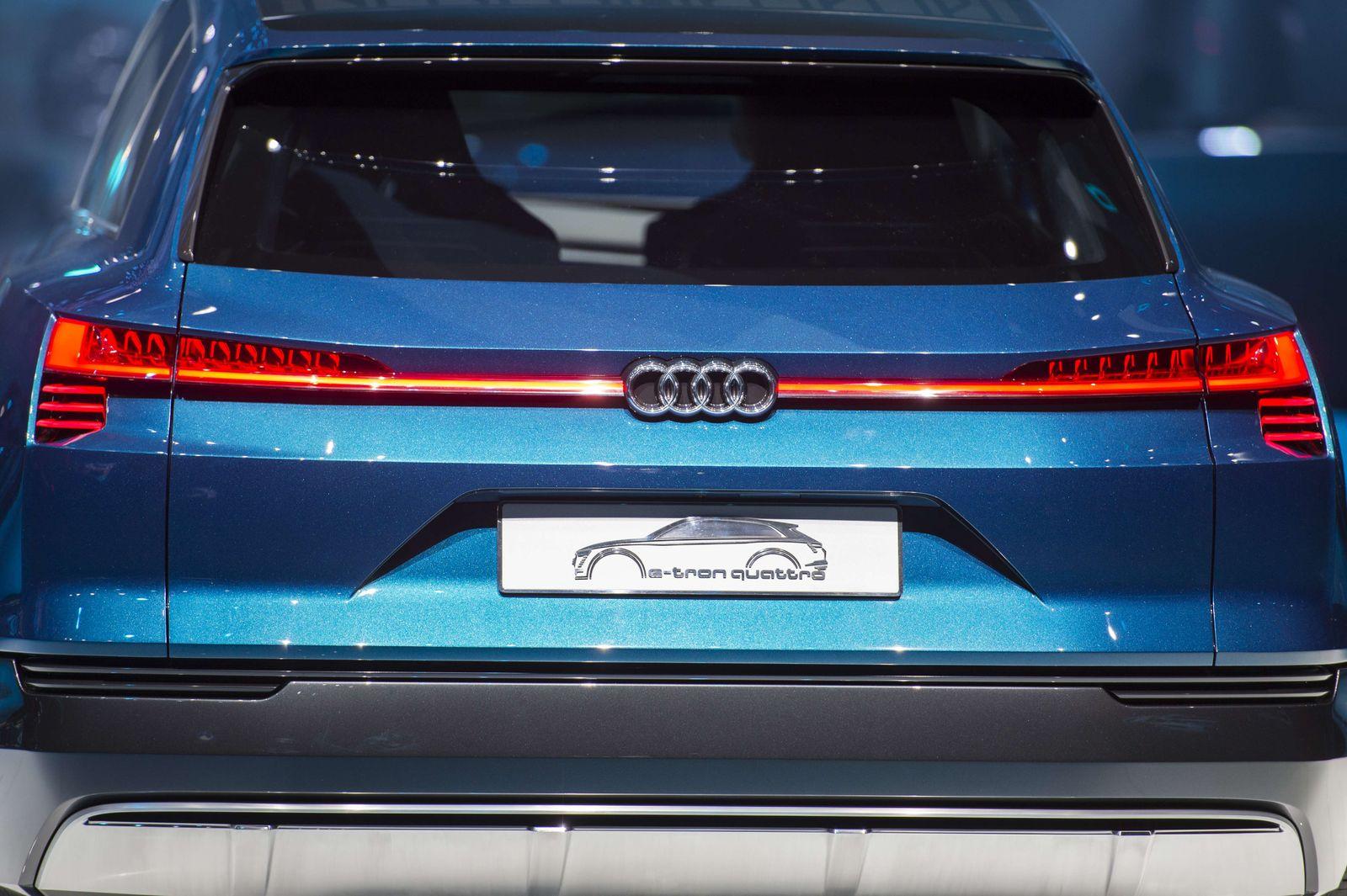 Audi e-tron quattro concept SUV