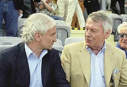 Stammplatz: Bei jedem Heimspiel sitzt Bayer-Aufsichtsratschef Manfred Schneider neben Rudi Völler und anderen Legenden von Bayer 04 Leverkusen