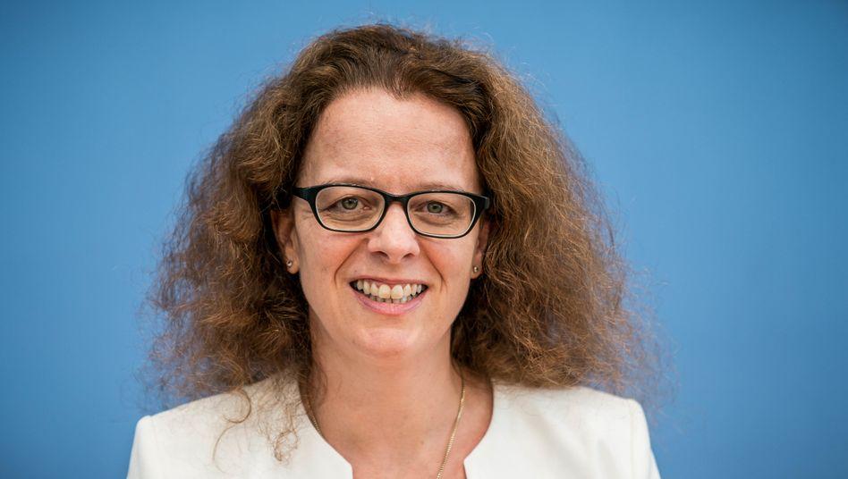 """""""Wir ändern unsere Geldpolitik in keiner Weise in Reaktion auf diese Entscheidung"""": EZB-Direktorin Isabel Schnabel"""