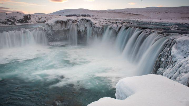 Island: Vulkane, Skipisten und heiße Freibäder