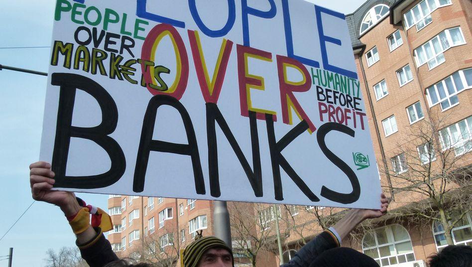Auch wenn es immer wieder Proteste gegen den wirtschaftspolitischen Kurs in der Eurozone gibt, findet der griechische Ruf nach einem Kurswechsel kaum Gehör in anderen Ländern.